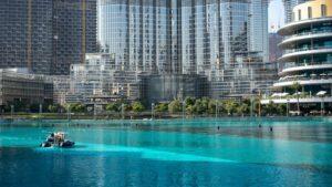 Dubaï bat un nouveau record avec la piscine la plus profonde au monde, comprenant deux habitats sous-marins